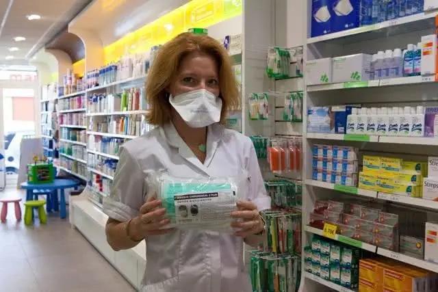 健康美国人不需口罩?口罩价格已暴涨至300多元