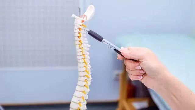 浅谈如何预防缓解孩子的颈椎问题